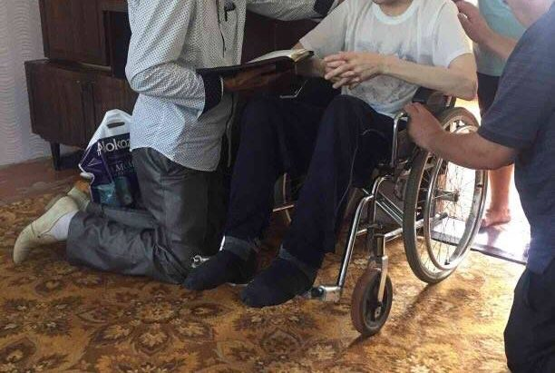Посетили парня инвалида…