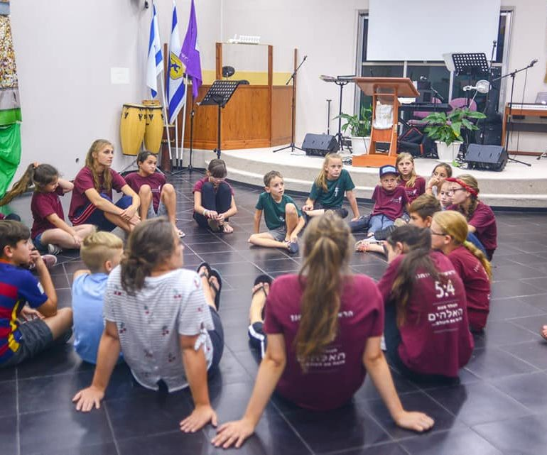 Служим детям – служим Богу.